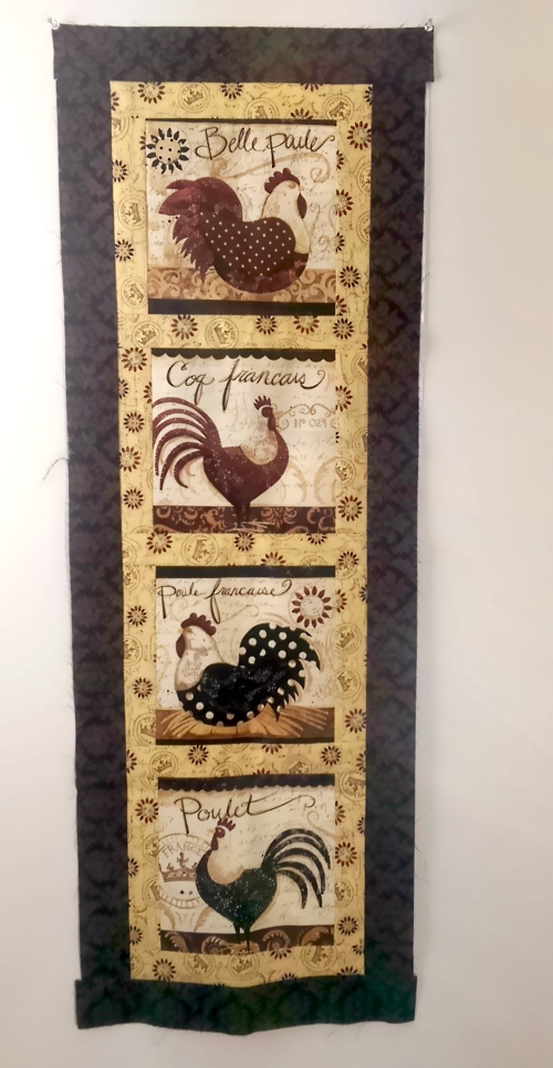Elegant Roosters wallhanging
