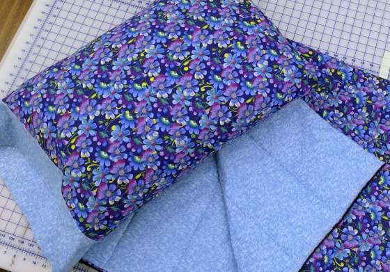 sleeping bag - matching pillow